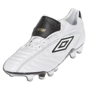 Umbro Diamond Pro HG - White